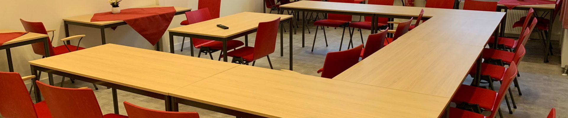 Foto van U-vormige cursusopstelling in zaal 2